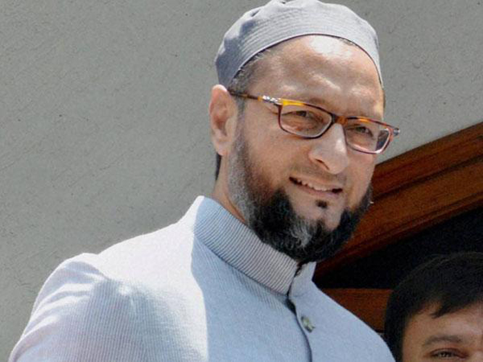 Owaisi uses Persian proverb on Rahul