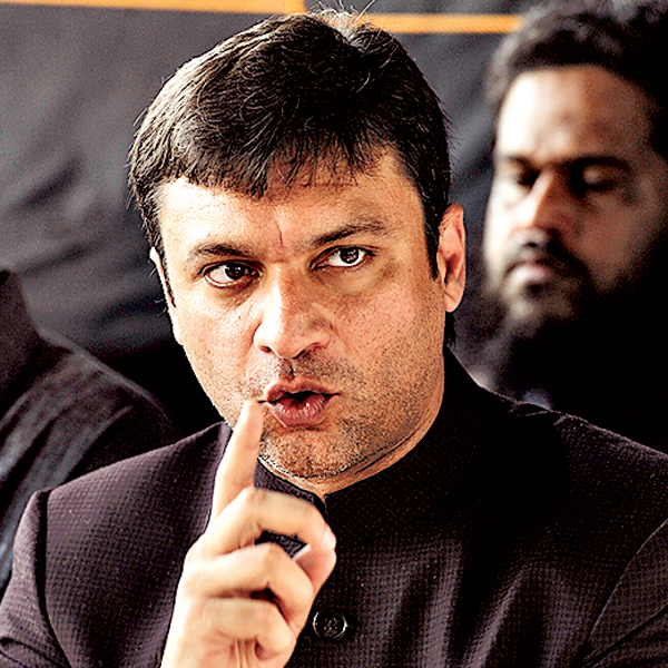 Akbaruddin Owaisi offers to help students for higher education