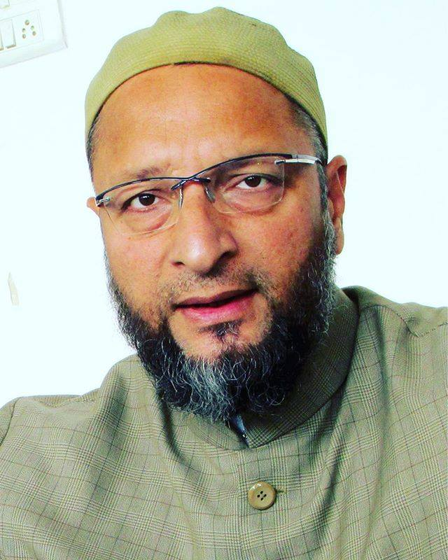 Asaduddin Owaisi urges party workers to uproot BJP, Congress from Telangana