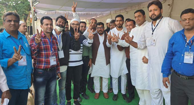AIMIM workers celebrate victory in old city