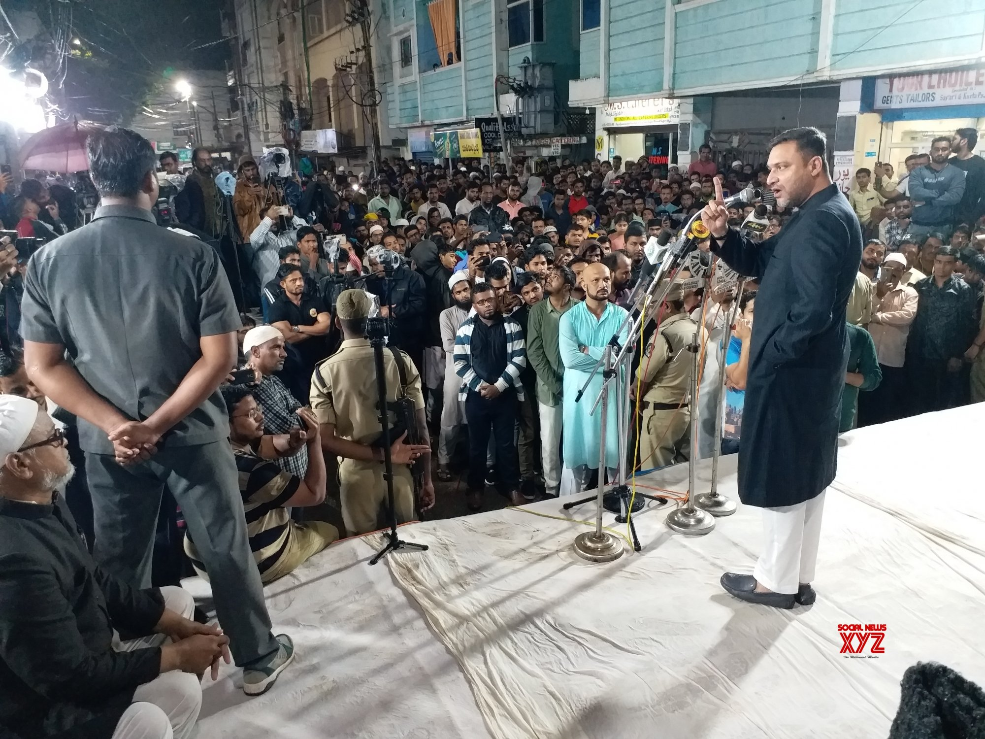 Akbaruddin Owaisi demands demolition of PV, NTR memorials