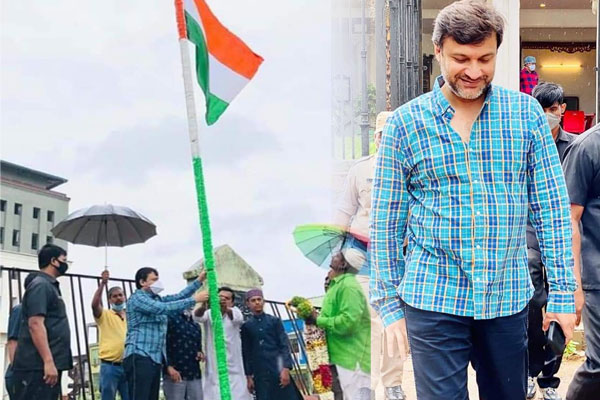 AIMIM Leader Akbaruddin Owaisi Hoisted National Flag at KG to PG Campus Bandlaguda