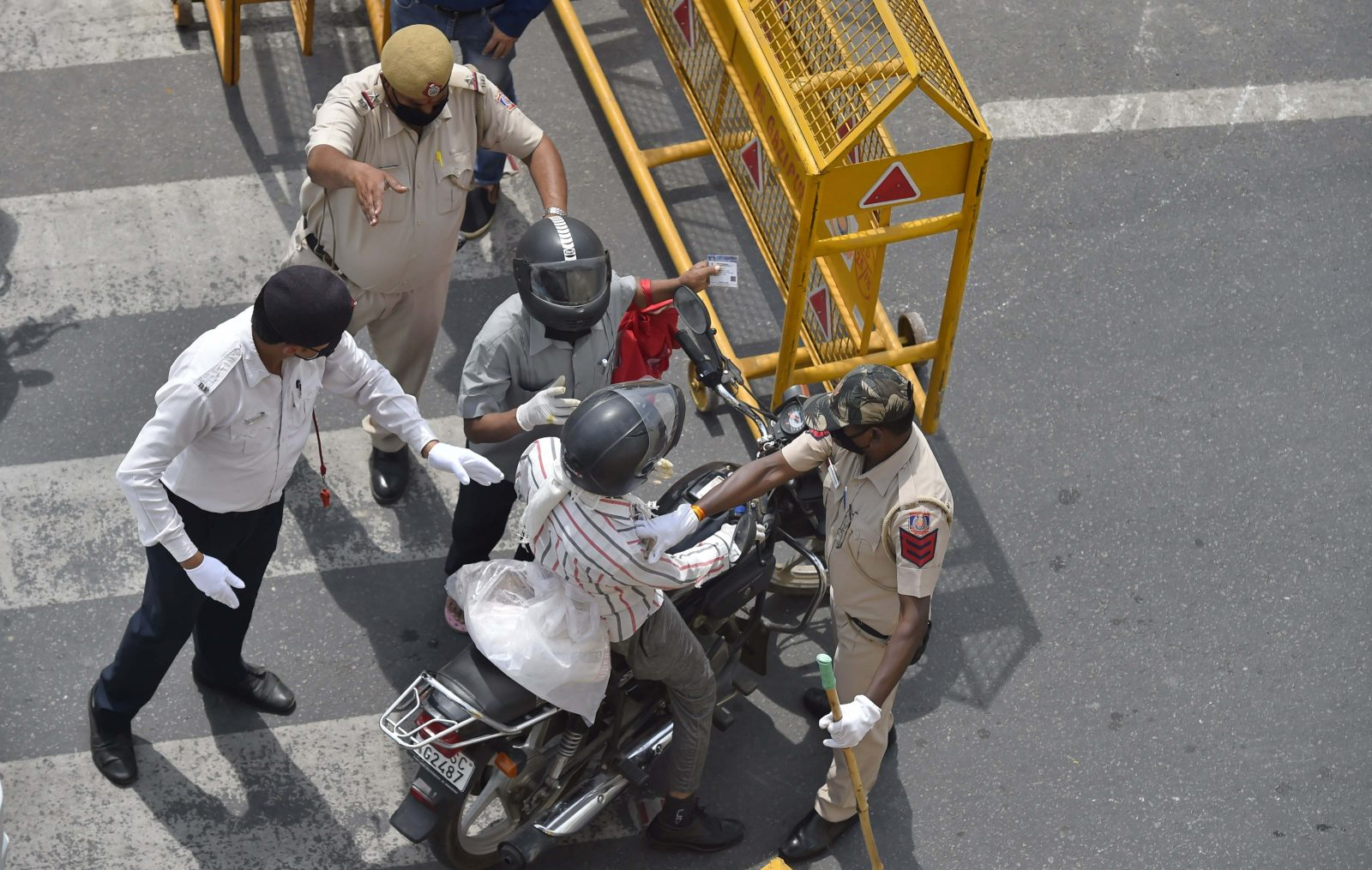 Telangana Lockdown: Hyderabad Cops suspends bikes for unnecessary venturing out during lockdown