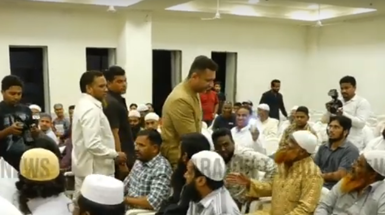 Akbaruddin Owaisi Met with Members of Jamat E Ahle Hadees Hyderabad at Fatima Owaisi Campus