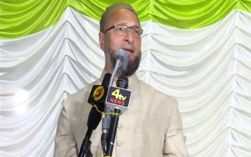 Owaisi asks the government to remove the restrictions in J-K