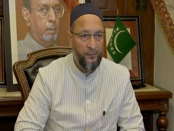 Asaduddin Owaisi calls Ghulam Nabi Azad a Ghulam of Congress