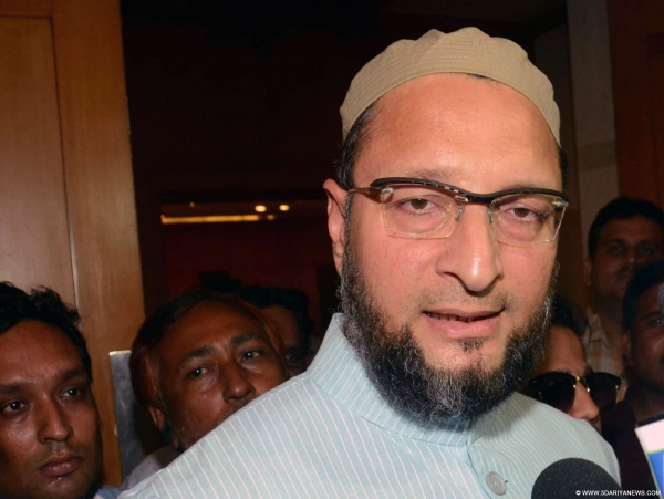 MIM president and Hyderabad MP Asaduddin Owaisi appreciates CM for giving flood relief