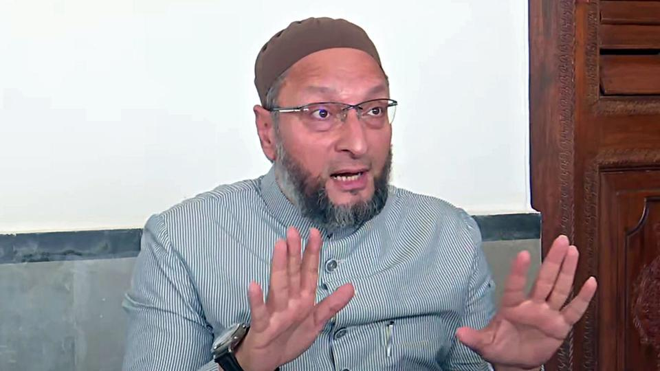 Owaisi alleges that the Trinamool Congress leader insulted the people of Bihar who voted for AIMIM