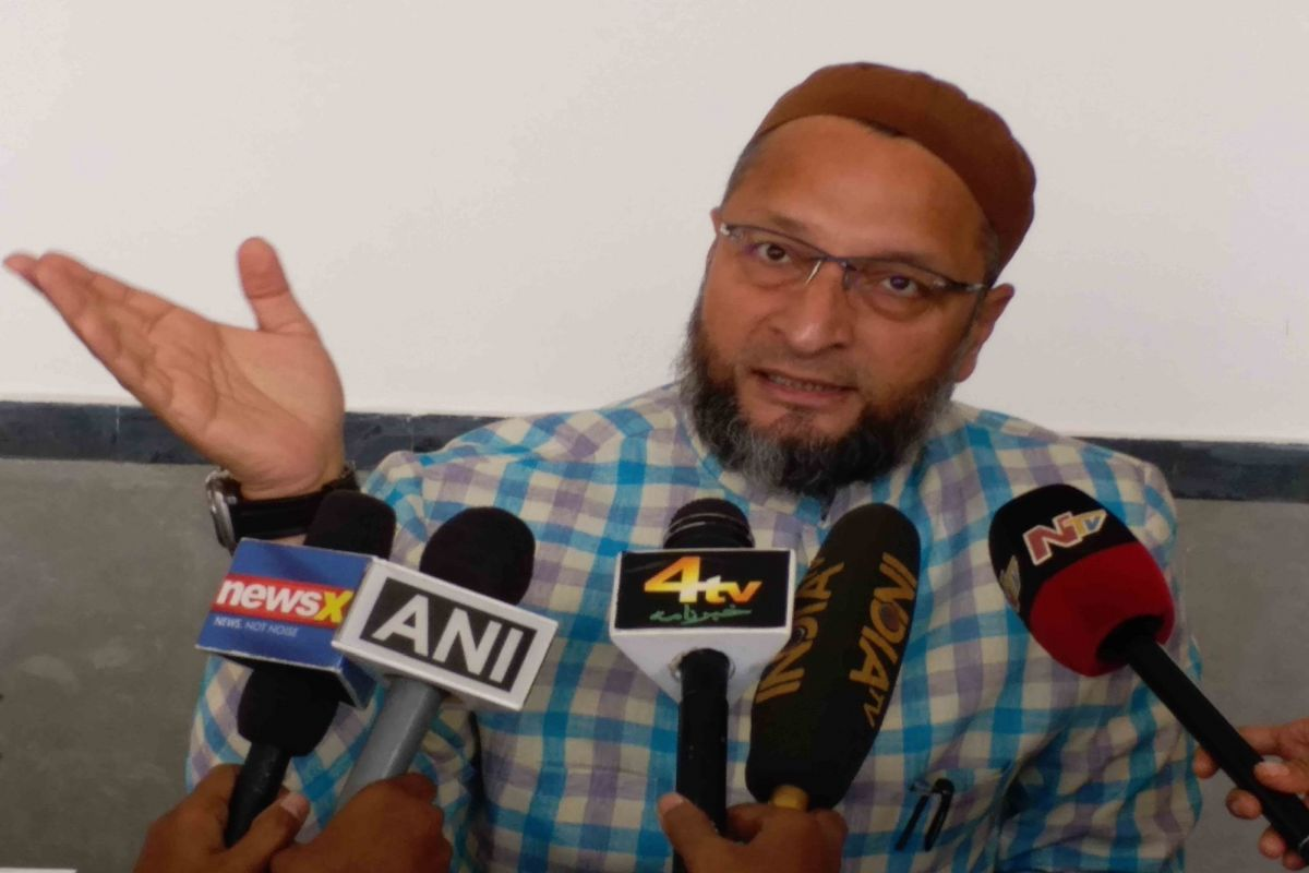 Owaisi demands attempt to murder case against JNU attackers