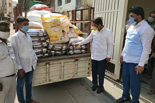 MLA Kausar Mohiuddin inspected the Ramzan Relief Stock for Karwan constituency