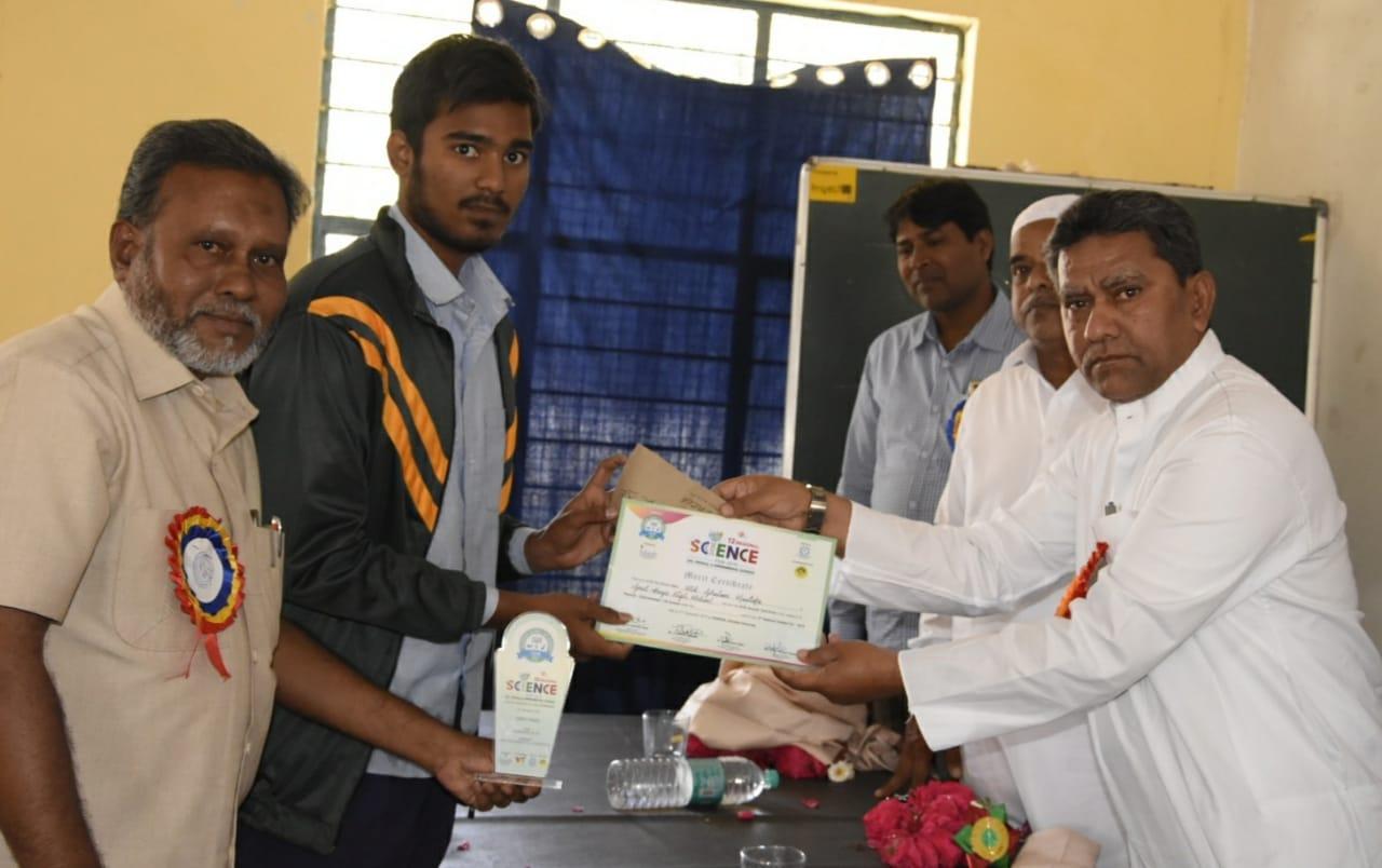 Kausar Mohiuddin visits the Science Exhibition of Golconda Govt Boys School