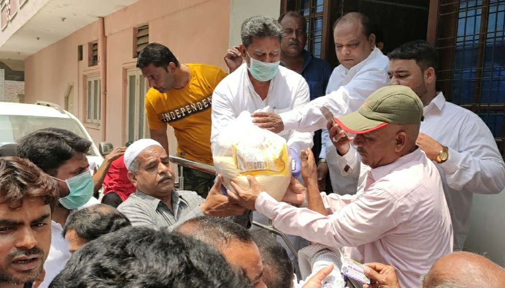 AIMIM MLA Kausar Mohiuddin continuously carry on the distribution of ration kits from past six days in Karwan constituency