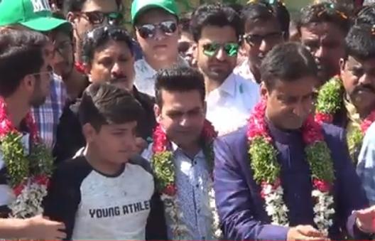 aimim-bhadurpura-candidate-mohd-moazzam-khan-file-nomination-