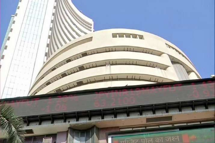 Sensex rallies over 400 points in early trade today
