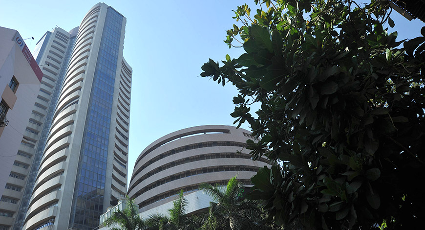 Market opens on a volatile note