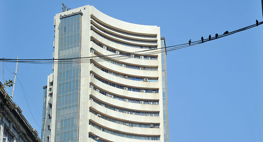 Sensex cracks over 350 points on global selloff