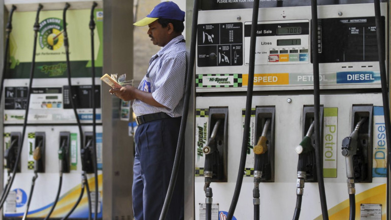 Petrol pump dealers withdraw strike against daily revision of fuel prices