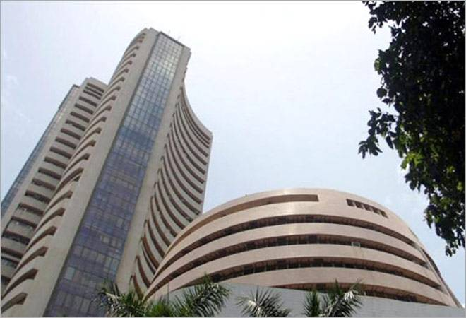 Sensex recovers 43 points in early trade today