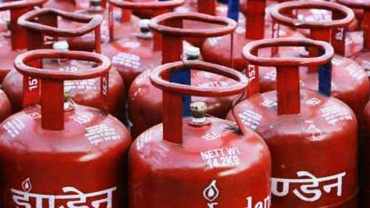 Subsidised LPG price hiked by Rs. 2.08 per cylinder