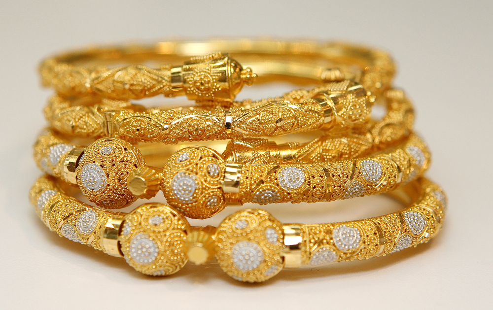Gold up by Rs.663 to Rs.51,367 per 10 gram