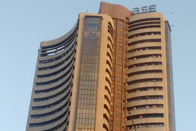 Sensex drops below 34,000 over 1.5% amid global fall