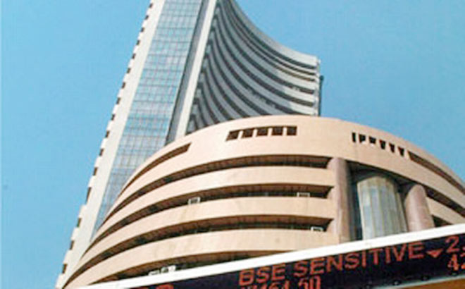 Sensex reclaims 33,000-mark, up 190 points