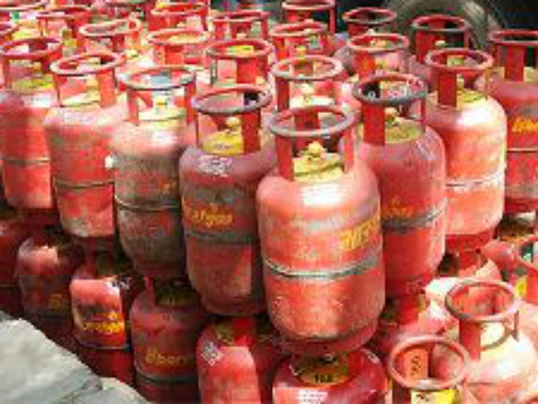 Jet fuel price hiked by 6%; LPG dearer by Rs.1.50/cylinder