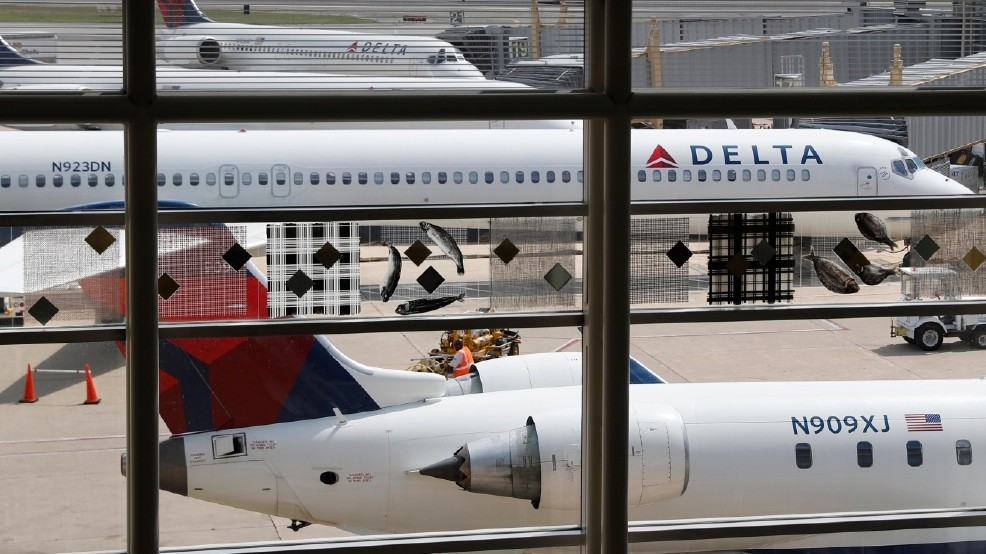 After United incident, Delta OKs offers up to $9,950 to flyers who give up seats