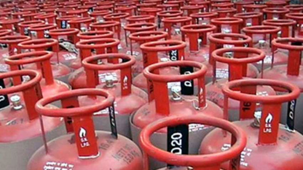 Domestic LPG prices cut by 5.91 rupees per cylinder
