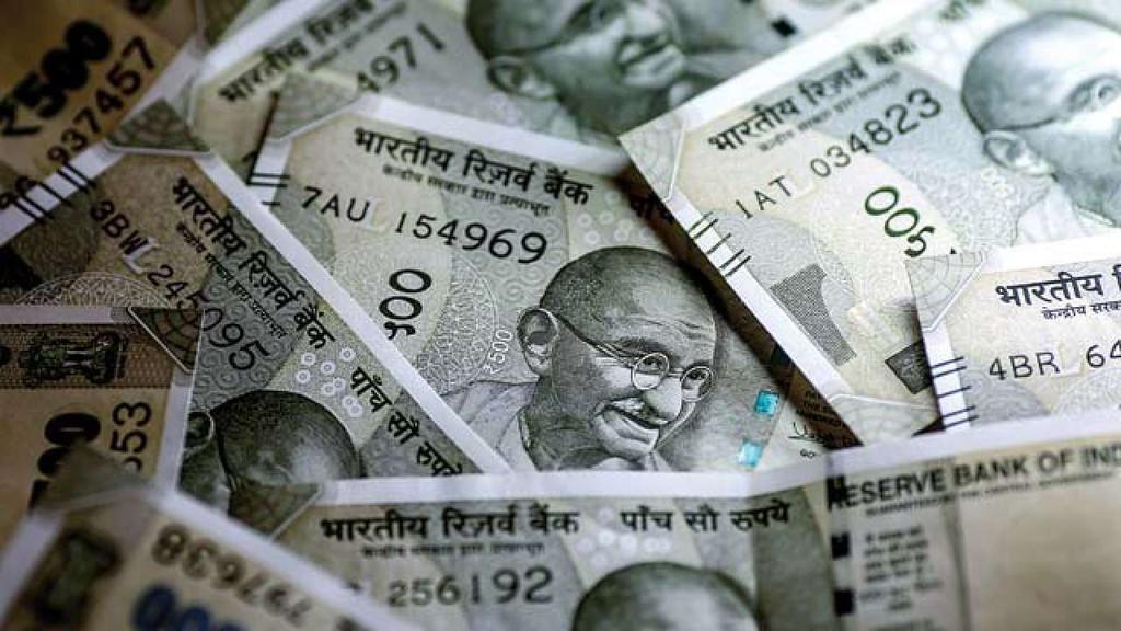 Rupee breaches 70 per US dollar mark in intra-day trade
