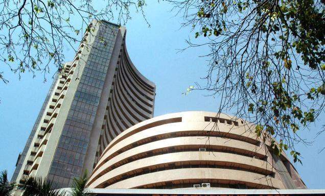 Sensex falls 146 points on F&O expiry