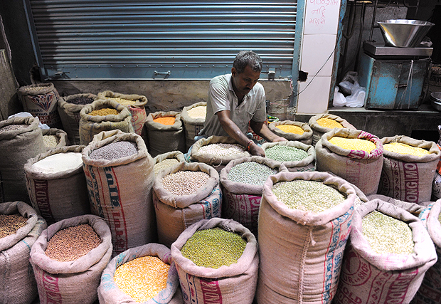 following-good-monsoons-total-foodgrain-production-is-estimated-at-record-27568-mt