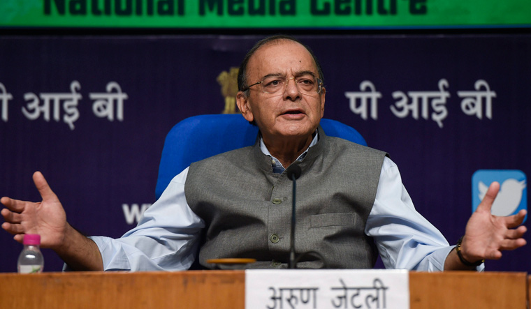 Finance Minister Arun Jaitley criticises RBI for indiscriminate lending by banks