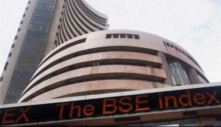 Sensex down 201 points as oil fears make a comeback