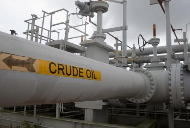 First shipment of American crude oil worth USD 100m to reach India next month
