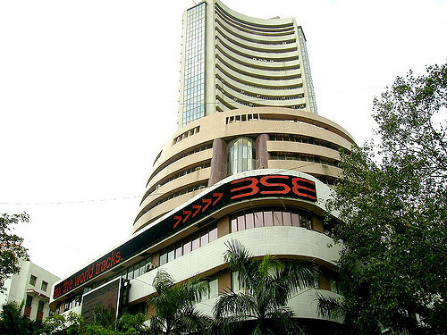 Sensex rallies over 300 points on positive global cues