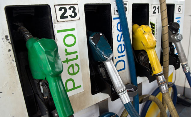 Petrol prices cut by Rs.1.46/ litre,diesel price cut by Rs.1.53/ litre