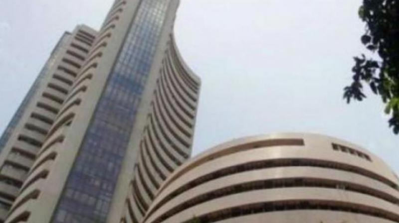 Sensex cracks 350 points on profit-booking