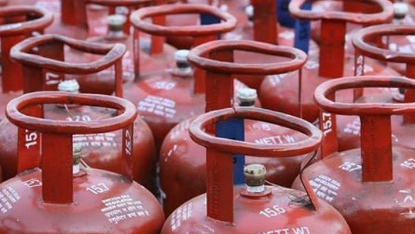 Non-subsidised LPG price cut by Rs.62.50 per cylinder