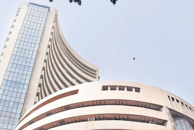 Sensex  drops nearly 200 points in early trade
