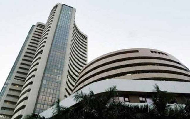 Sensex cracks over 400 points amid bloodbath in Chinese equities