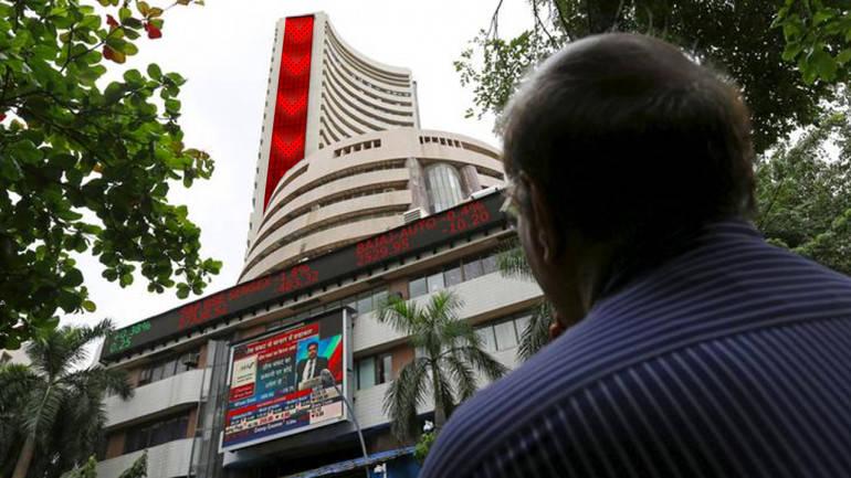 Sensex extends losses,Nifty goes below 10K
