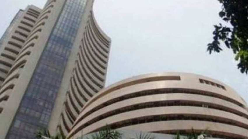 Equity guages flat on global cues