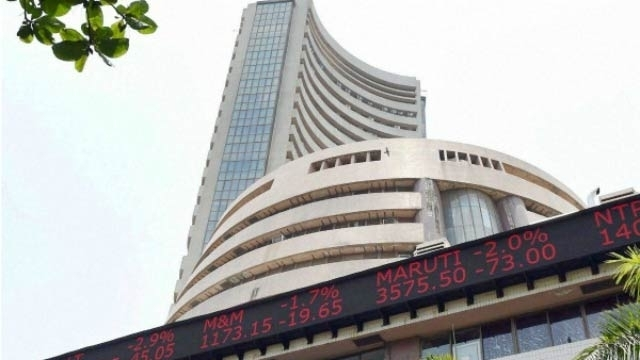 Sensex rises 121 points in early trade today