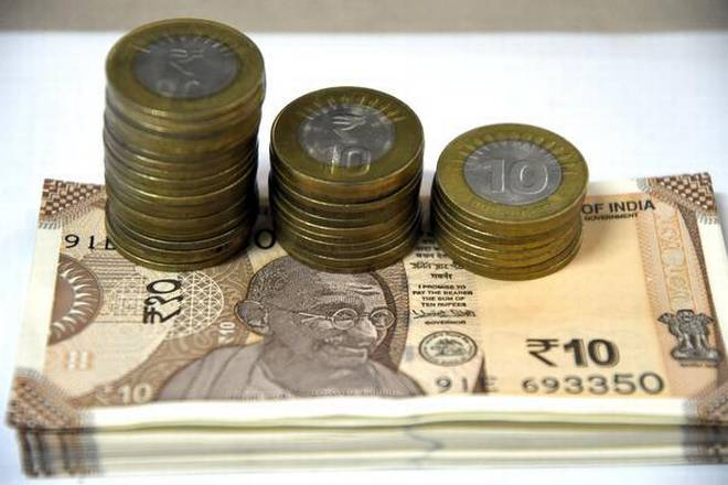 Rupee declines 17 paise against US dollar in early trade