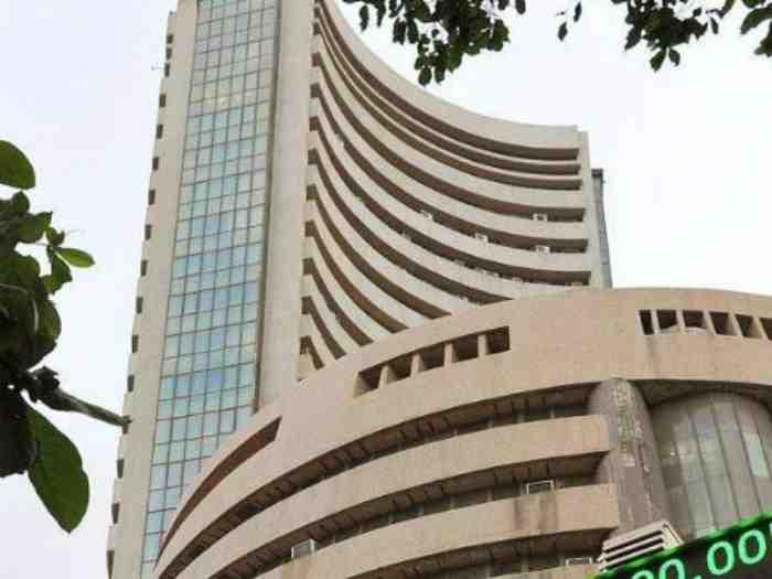 Sensex down 55 points on weak global cues