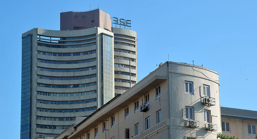 Market rally continues, Sensex above 32,000
