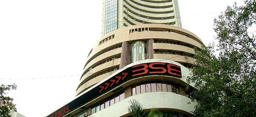Sensex, Nifty start on a choppy note
