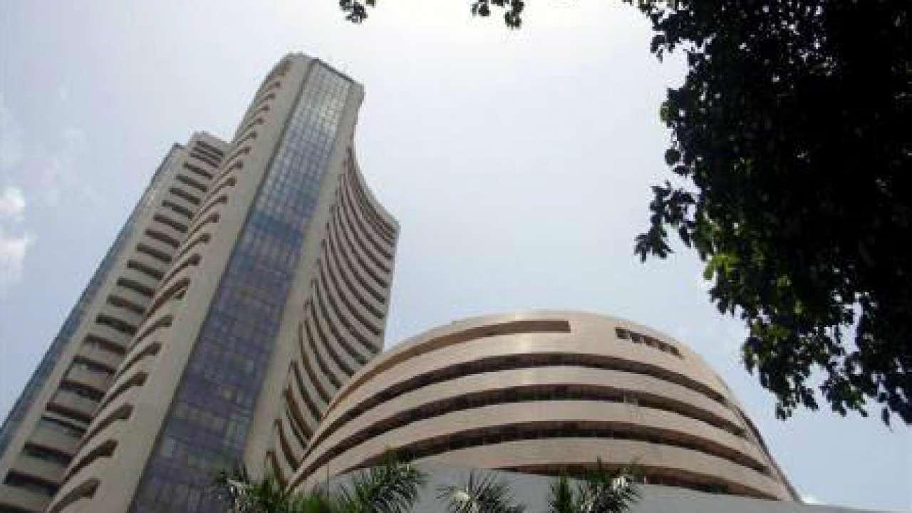 Sensex turns choppy after hitting record high