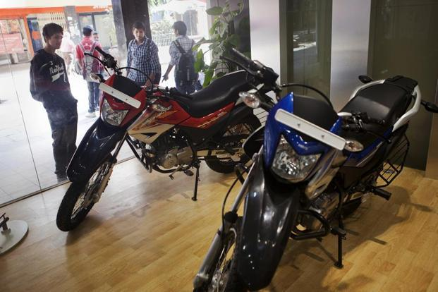 BS-III order impact: Bajaj to Hero and Honda offer discount up to Rs 22,000 in clearance sale